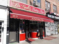 日, 2011-02-27 14:45 - La Guli Pastry Shop
