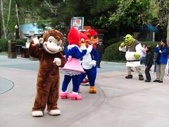 The Universal Studios Characters Do The Hand Jive
