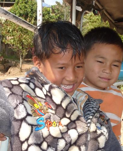 Kengtung-Temples-Enfants birmans (4)