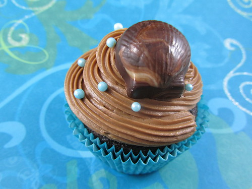 Mocha Cupcakes with Seashells