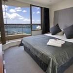 Quay West Suites Sydney - Bedroom