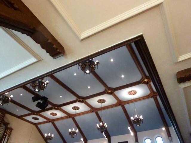 P1080719-2011-03-17-Central-Presbyterian-Church-Phoenix-Flies-Balcony-Brackets-Ceiling