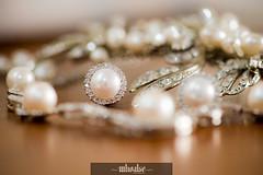 clothing(0.0), pearl(1.0), jewellery(1.0), gemstone(1.0), headpiece(1.0),