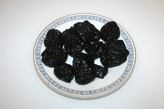 02 - Zutat Backpflaumen / Ingredient dried plums