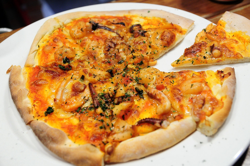 We里手工披薩日本料理