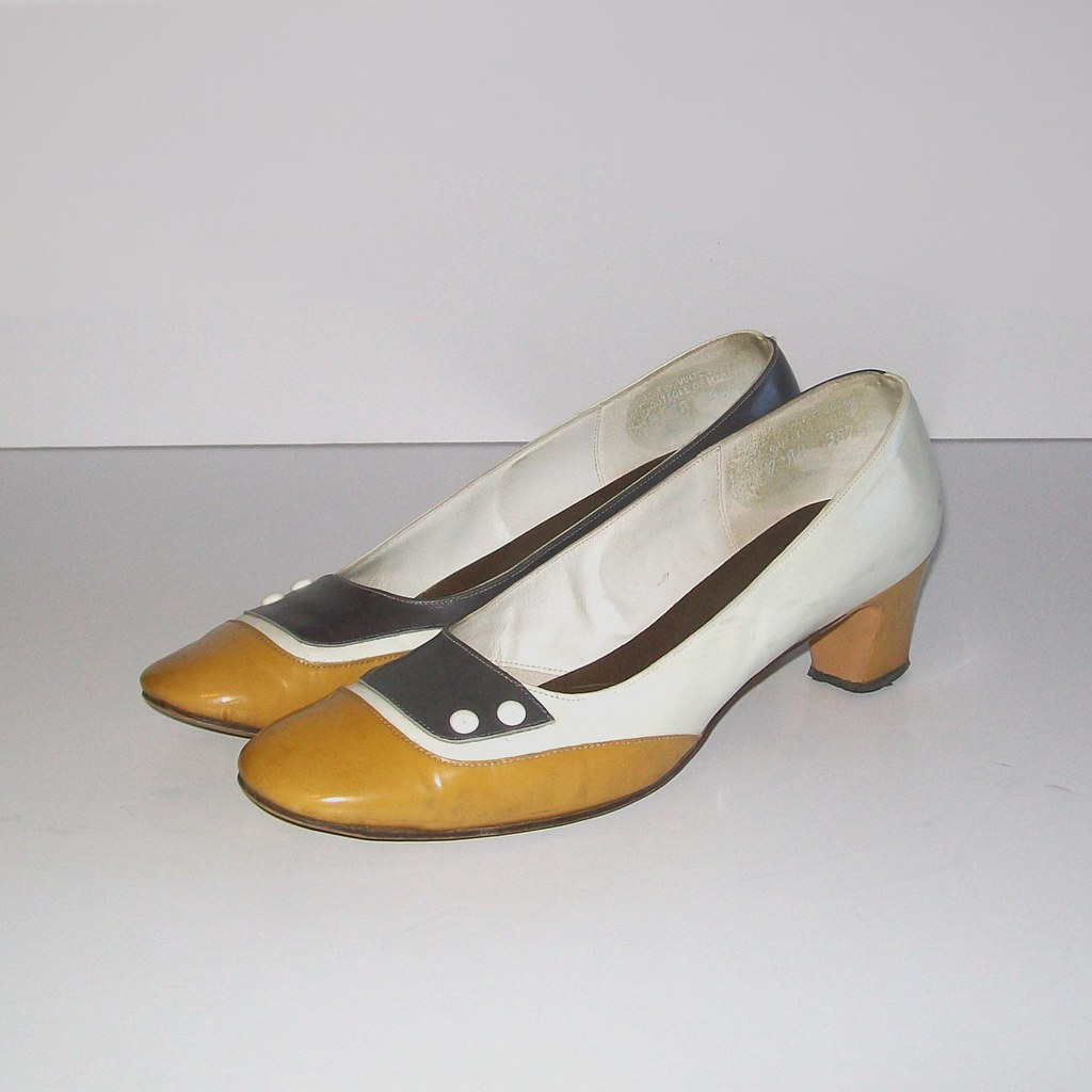 1b3b5ebb71cc2 Vintage 60s IRRESISTIBLE Mad Men Style Pumps Size 7 | Flickr
