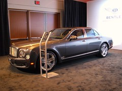 automobile, automotive exterior, wheel, vehicle, automotive design, bentley continental flying spur, sedan, land vehicle, luxury vehicle, bentley,
