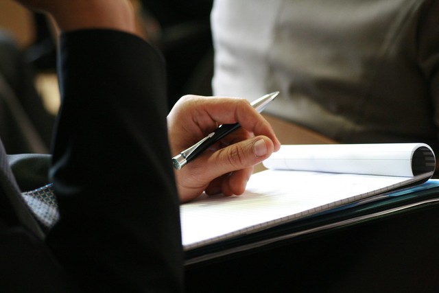 pen that can write on wet paper