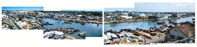 SAIGON 1964-65 - Ben Nghe Canal - Hình ghép (3). Bên này là Bến Chương Dương, bên kia là Bến Vân Đồn.