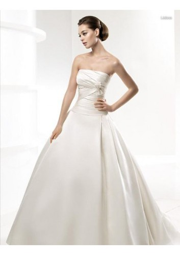 Satin Strapless Rouched Bodice with Ball Gown Skirt Simple 2010 Fashion Wedding Gown WD-0253