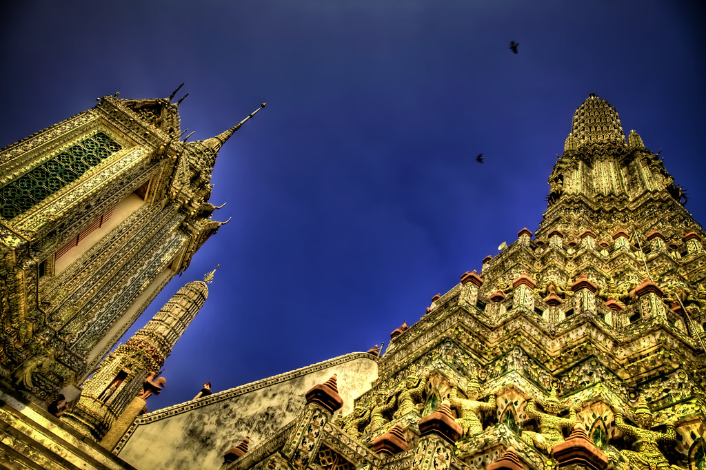 Wat Arun from the bottom.