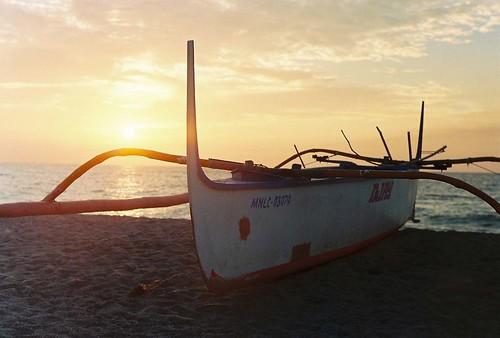 sunset sea sky film beach water sanantonio 50mm boat philippines rangefinder analogue zambales russiancamera jupiter8 zorki4 kodakultramax400
