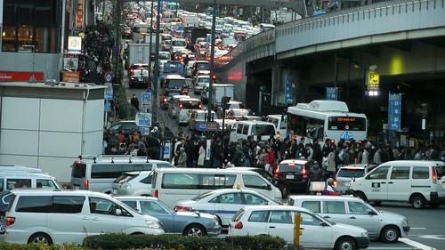 Traffic Jams and people walking home through Akasaka