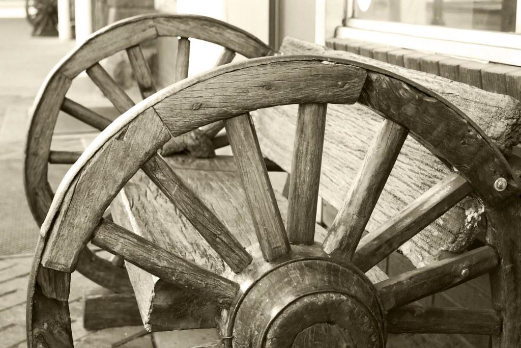 Wagon Wheel Bench Wheel Bench 18 Wheels Of Steel Big City Rigs