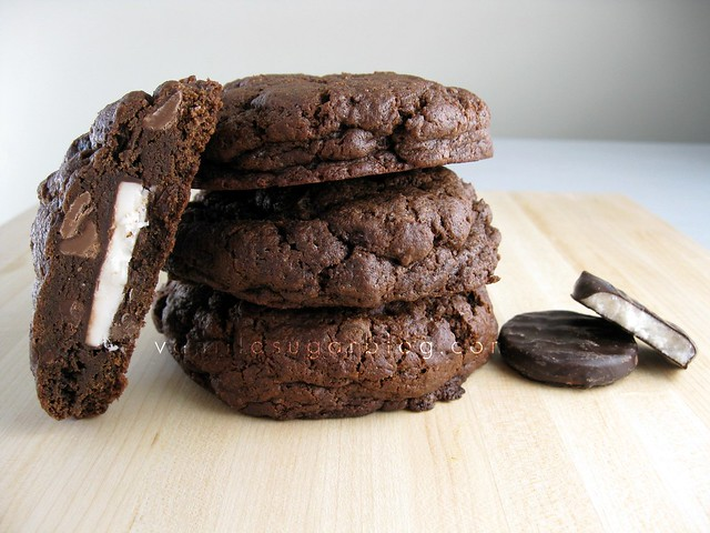 1/4 pound double choco-mint stuffed cookies