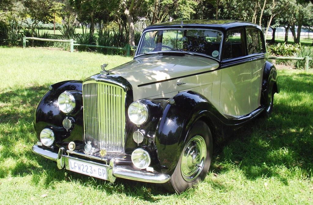 Bentley 1947 MK VI, H J Mulliner Saloon | Paul Horn | Flickr