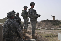 U.S. Division-North leaders assess combined security checkpoints in northern Iraq