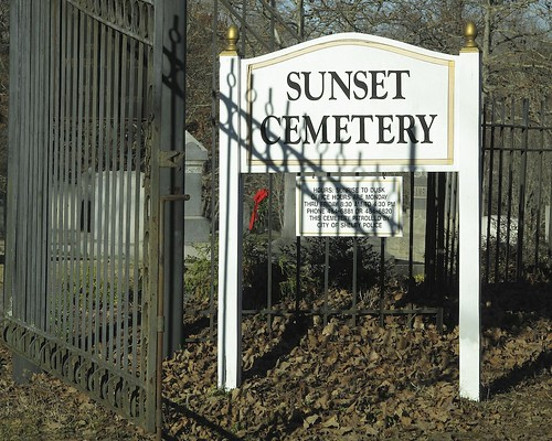 christmas xmas shadow red cemetery sign fence nc gate iron shelby 7581 dongibson