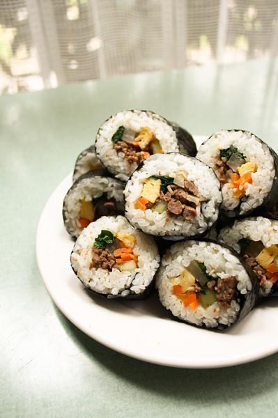Beef Kimbap (쇠고기 김밥) | Explore celine ☆'s photos on Flickr ...