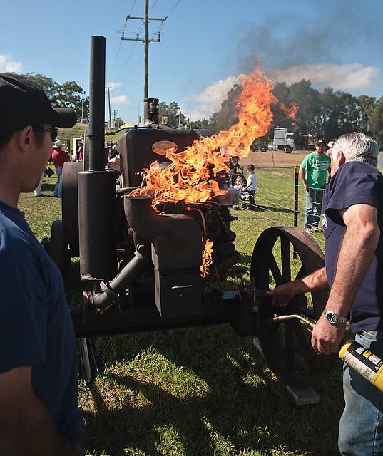 How to start an engine (1) A bit too much fire.