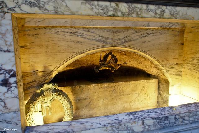 拉斐爾的石棺