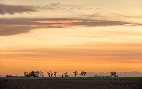 sunset sky orange mountains nature rural skyscape landscape nikon colorado warm dusk farm weld farming cottonwood co farms frontrange range hdr clff d700