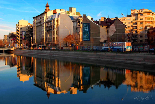 street city morning bridge urban reflection bus water architecture sunrise river cityscape sunday citylife romania blocks bucharest easterneurope bucuresti blueorange complementarycolors dambovita bulevard izvor k10d podulizvor splaiulindependentei independenceblvd maryad izvorbridge