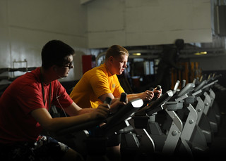 Sailors work out to prepare for upcoming physical fitness assessment.