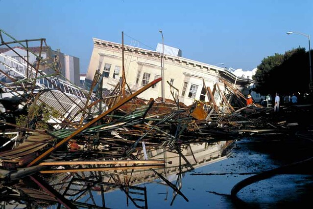 Loma Prieta earthquake, Marina district of San Francisco, 1989