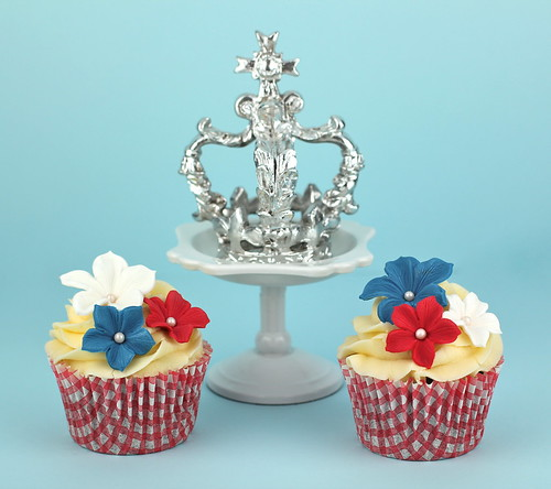 Royal Wedding Cupcakes by Made With Pink
