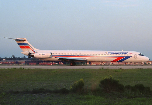 Paramount MD-83 G-PATA GRO 07/05/1989