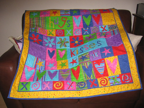Hugs and Kisses child quilt. by City krafters