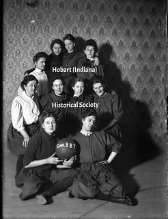 Old Maids Basket Ball team 1907