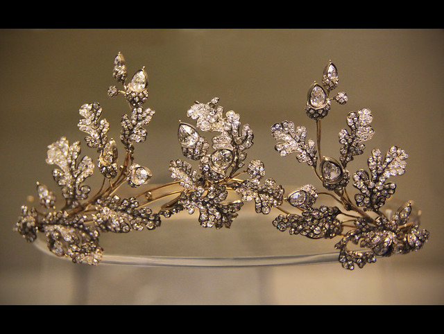 Diamond oak-leaf tiara, English, Hunt&Roskell, London, about 1855