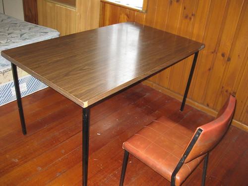 Very big steel frame table 40