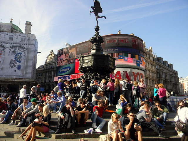 people sitting Eros Piccadilly Circus London 9th April ...