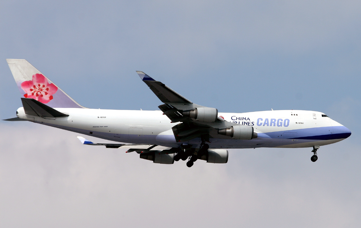 LUX-related B747s 5626957805_fe066c405e_o