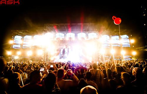 ULTRA_Main-Stage_Night_Lights_lr