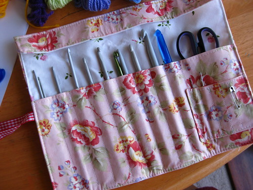 Crochet hook roll