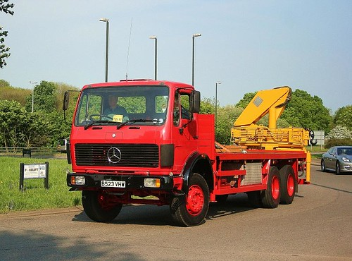 B523VHW 1984 Mercedes Benz 2421 six wheeler