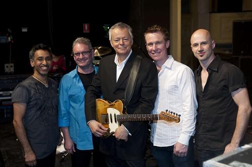 Tommy Emmanuel zenekarával