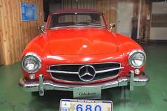 automobile(1.0), automotive exterior(1.0), vehicle(1.0), automotive design(1.0), mercedes-benz(1.0), mercedes-benz 190sl(1.0), compact car(1.0), antique car(1.0), classic car(1.0), vintage car(1.0), land vehicle(1.0),