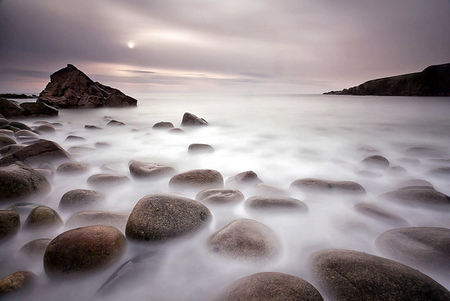5607762262 13b6b6feae z 15 Beautiful Images Of Rocky Beaches