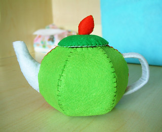 felt apple tea pot