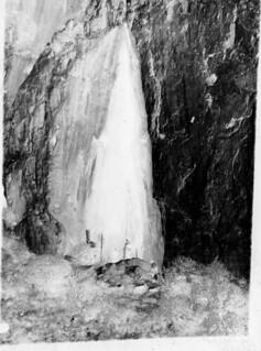 Grotte de Baoussé Roussé près de Menton, Italie, 5 mai 1904