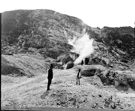 Le volcan de la Solfatata de Pouzzoles, Naples