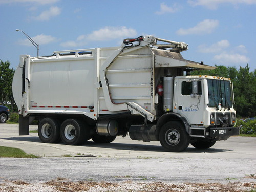 City of Lakeland Sanitation Truck