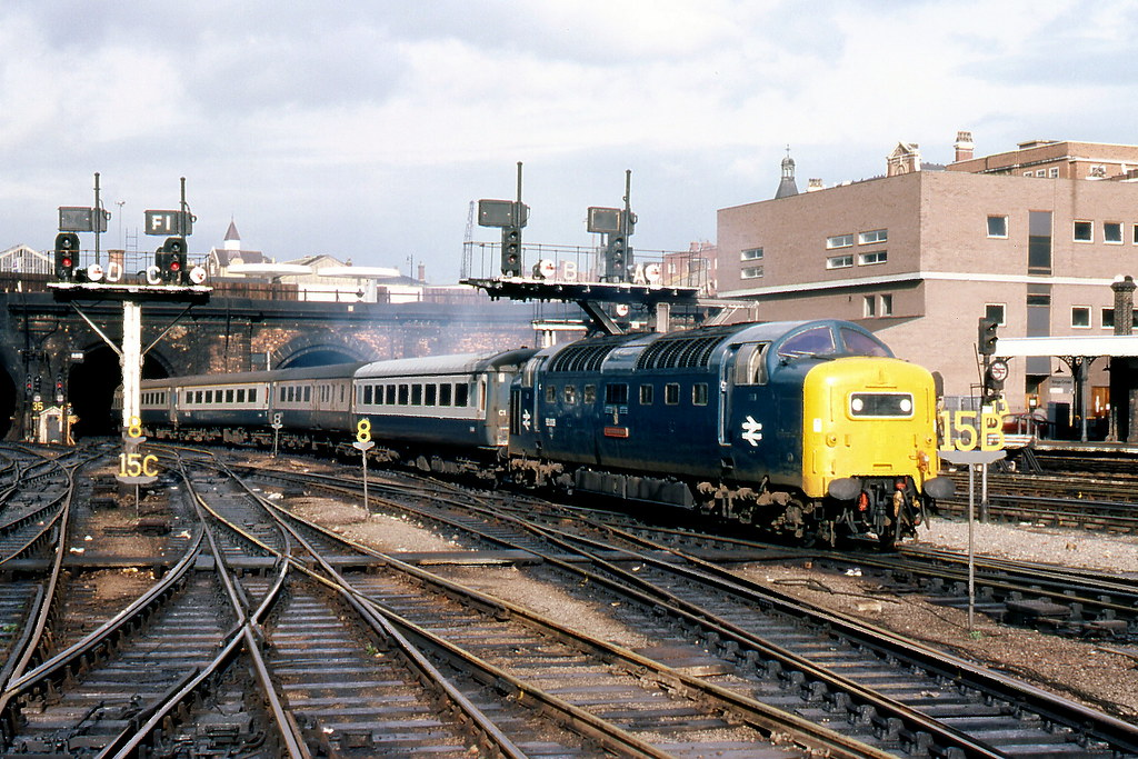 55008 1976 10 Kings Cross