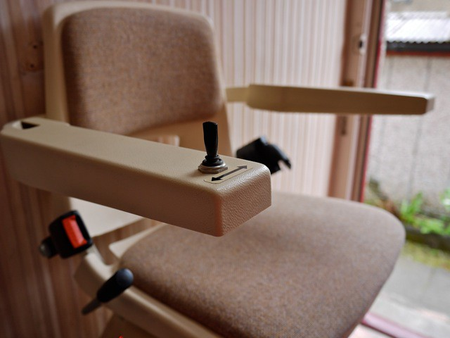 Brooks Lincoln Straight Stairlift-8