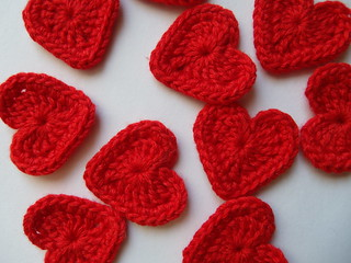 10 red crochet heart appliques from bamboo yarn